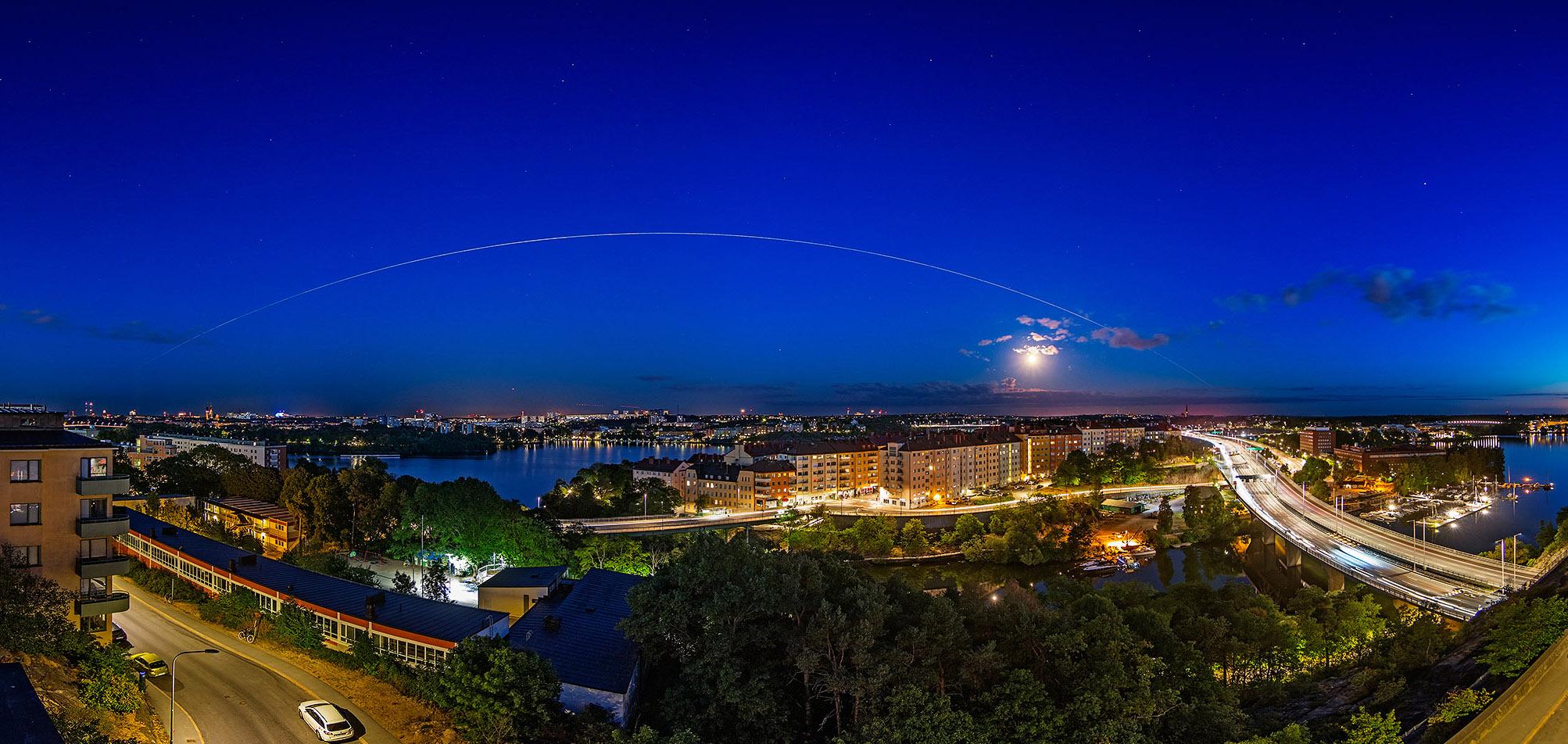международная космическая станция на небе