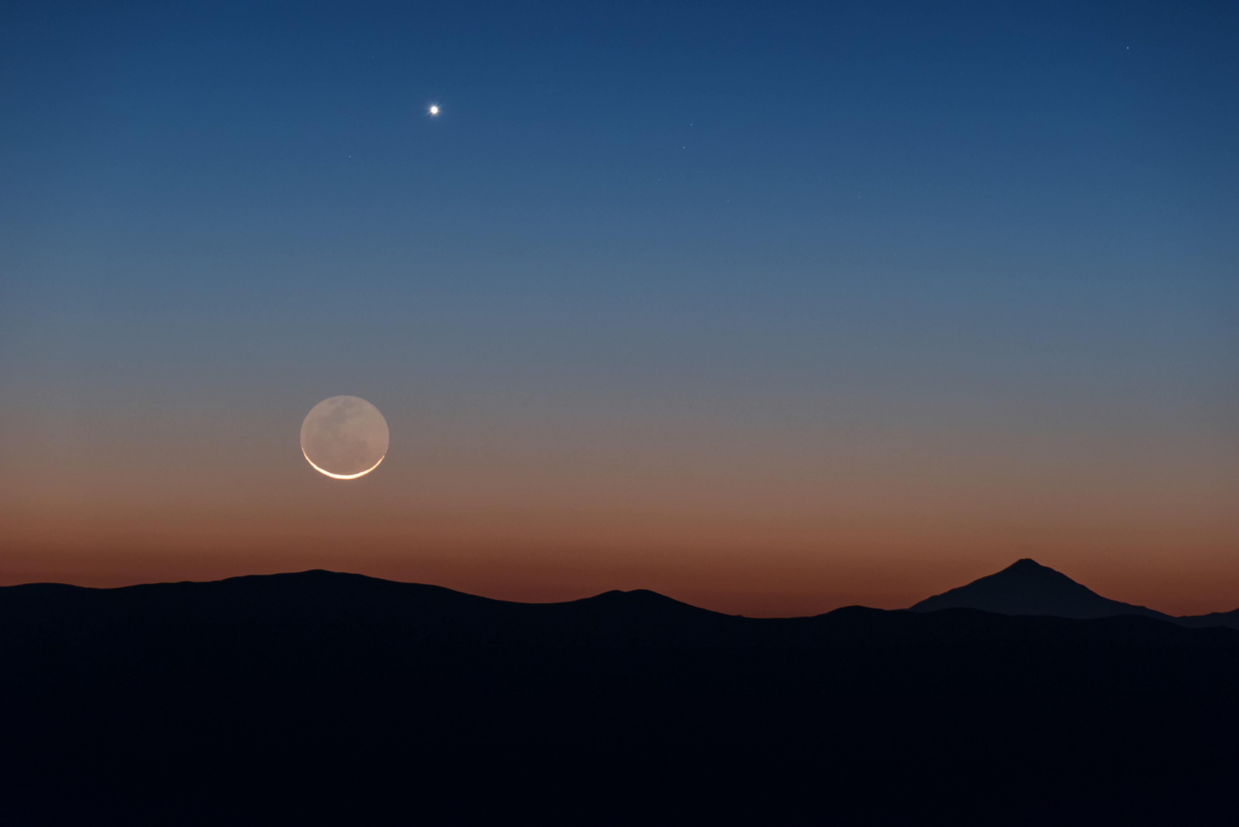 Луна и Венера на небе
